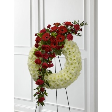 Traditional roses and daisies wreath.